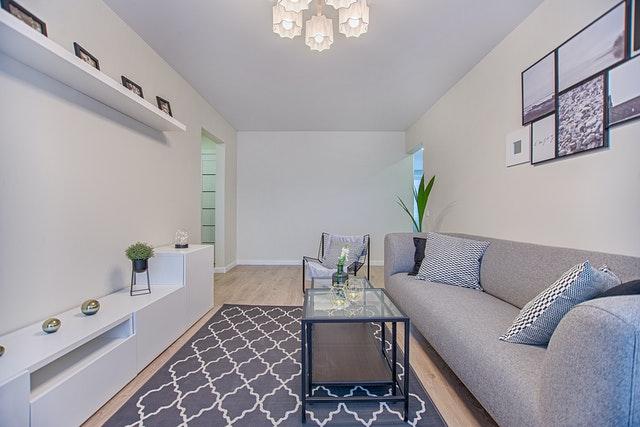 penataan ruangan keluarga yang sempit